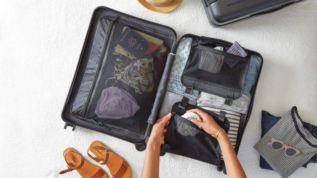 Mudança residencial: aprenda métodos simples para embalar roupas